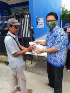 KORPRI BNN Kota Depok Laksanakan Pembagian Masker