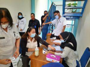 BNN Kota Depok laksanakan Test PCR untuk seluruh pegawainya